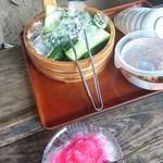 和食処 田舎家 - かき氷とキュウリ