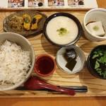 中央食堂・さんぼう - 【2019/8】麦とろろ御飯