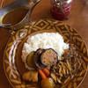 ビーフカレー専門店  辛樹 - 料理写真:特製ビーフカレー ナスとキノコ入り 1180円