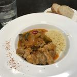 ビストロ ヌー - 仔羊と野菜のトマト煮込みクスクス添え
