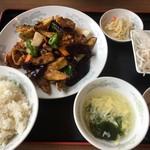 中華料理 豊楽園 - 料理写真:豚とナスの味噌炒めセット800円