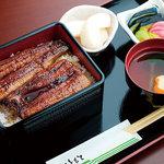 丸平川魚店 - 料理写真:プロが撮った丸平うなぎのスタンダードです。
