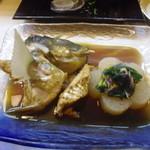 真 お魚と野菜 - まくぶのあら煮