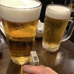 恵比寿横丁 だるまてんぐ - 生ビール大人(右)と東京タワー