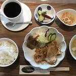 バル・イガーナ - おばんざいランチ!日替メイン料理に3種のおばんざいが付きます!