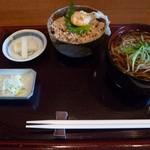 蕎勝人 - 鶏そぼろ丼セット(温そば)