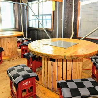 2階のテーブル席は大人数での宴会の際にご利用ください!最大24名まで入れます◎