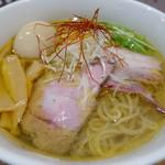 麺処 ぐり虎 - 鶏塩味玉ラーメン 850円