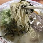 113844326 - ぱっつり固めの細麺