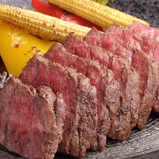 """上質な""""飛騨牛""""のお料理や毎日市場から仕入れる鮮魚が自慢!"""
