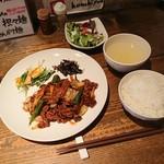 創作中華料理 香町 - 肉ランチ 864円/牛バラ肉とオクラの中華黒味噌炒め