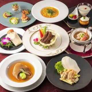 季節の食材を使用したいディナー、ランチコースはおすすめです!