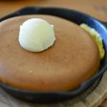 ミツバチガーデン カフェ - スノーハニーパンケーキ