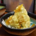 もつ焼き 勝利 - 黄色のポテトサラダ