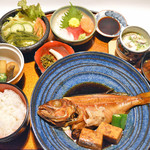 和酒房 山本 - 地魚御膳煮付