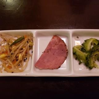琉球料理・泡盛 旅人