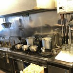 中華そば こびき - 厨房