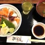 朝日屋 - 海鮮丼