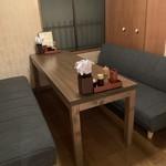 新橋うっちゃり - 半個室ソファ席・最小4名様、最大6名様貸切。