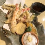 地魚料理 まるさん屋 - 天ぷら盛り合わせ