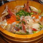 さかどの酒場くろえもん - 海の恵みの桶盛りサラダ