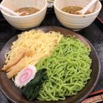 幸楽苑 - 料理写真:栄養バランスが良いユーグレナつけめん食べ比べ
