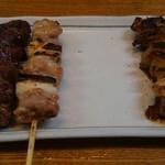 いけ田 - 料理写真:ねぎまといろいろ 左右に別れてるのは、タレと塩だから