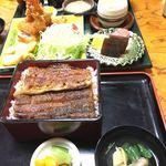 日本料理 小伴天 - うな重とエビフライ定食。