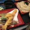 Maruiudon - 料理写真:大海老天ぷらの天ざるうどん