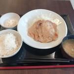 ごはんどき - 生姜焼き定食(900円)