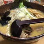 白樺山荘 - 味噌ラーメン(820円)
