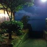 山里波 - 宍道湖へ続く道