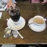 カフェ ビィオット - アイスコーヒー 450円 & カフェオレ 500円