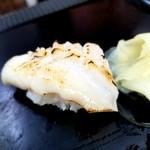 シゲちゃんすし - タコの頭の炙り 150円