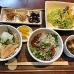 マスカクラブ - 鱒の介ハラスの炙り丼、ロースト馬の丼