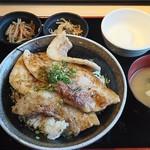 113976058 - デカ盛り豚丼定食。