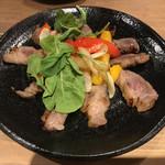 蕎麦 AKEBONOYA - 豚の西京焼き。もう少し火を入れた方が風味が出ると思う。