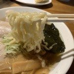 日光軒 - もっちりつるりとした麺