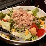 ひとみしり - 料理写真:ひとみしりサラダ☆やっぱりサラダも必要♪