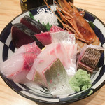 博多魚助 - 海鮮丼 1000円