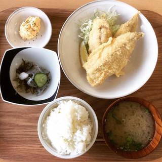 魚市場もったいない食堂 - アジフライ定食:630円