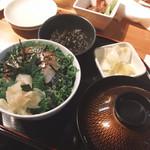 114000455 - 漬け丼(中)