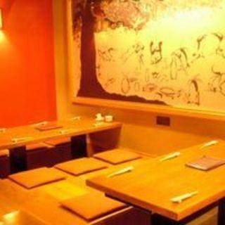 テーブル席32席、小上がりのお席は20席。