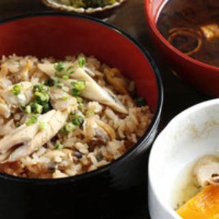 お昼の目玉には、江戸名物「深川飯」