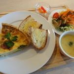 ピンベリーカフェ - 料理写真:キッシュランチ(980円)