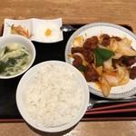五妹包 - 鶏肉の甘酢あんかけ定食