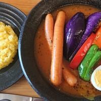 スープカレーハウスしっぽ-ロングウィンナーのスープカレー 1,000円