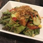 炭火焼肉徳重 - サラダ