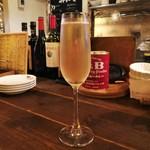 長堀ダイナー - グラスシャンパン