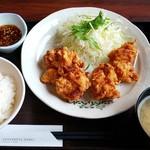定食屋ジンベイ - 札幌ザンギ定食